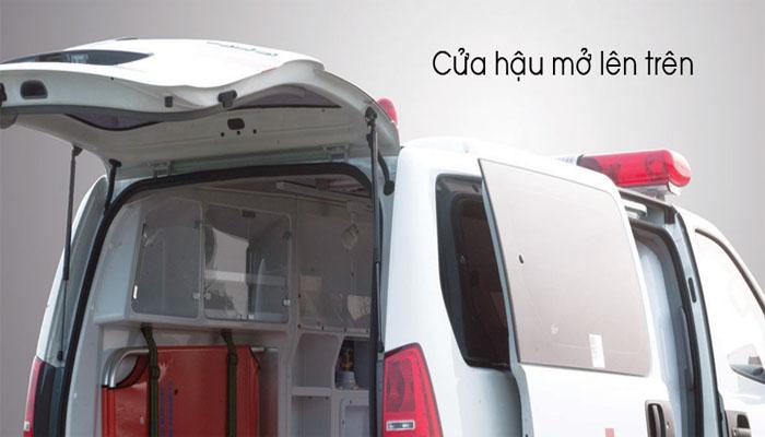 cua-hau-mo-len-tren