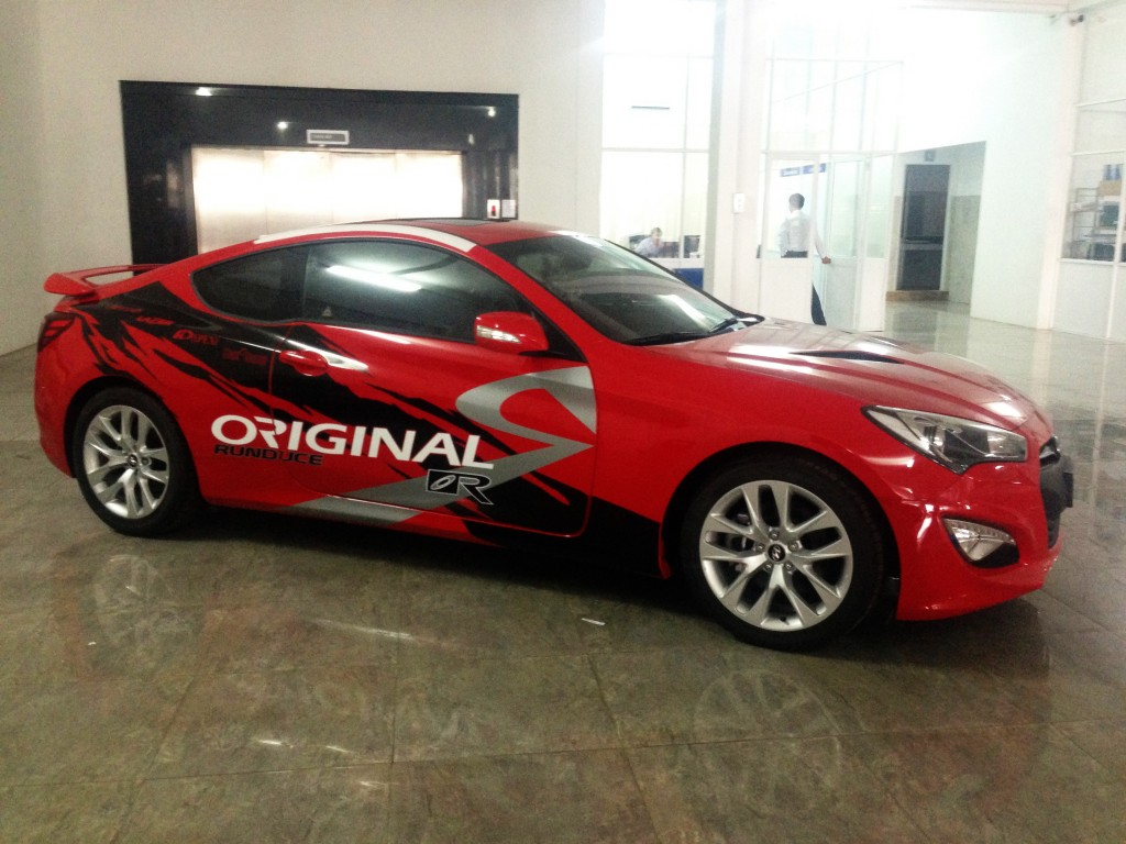 Hyundai Genesis 2013  dán Decal đẹp mắt